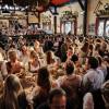 Kleine Wiesnzelte – große Stimmung: Jetzt online Oktoberfest-Tisch sichern (FOTO)