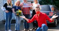 Lotterie-Glück in niedersächsischem Dorf: Kai Pflaume überrascht Hedeper mit 1 Million Euro (FOTO)
