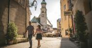 Altstadtflair am Fuße des Karwendelgebirges: Hall in Tirol lockt mit Kultur, Kulinarik und atemberaubender Bergwelt