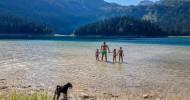 Eine montenegrinische Familie entdeckt die Natur für sich (FOTO)