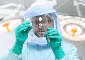 Herausragende Expertise bei Endoprothetik-Operationen am RHÖN-KLINIKUM Campus Bad Neustadt (FOTO)