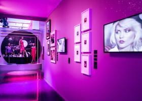 """Sonderausstellung """"Studio 54: Night Magic"""" im Dortmunder U eröffnet: Mit Glanz und Glitzer zurück in die 70er (FOTO)"""