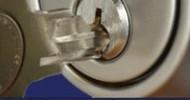 Die Sicherheit am Türschloss ist mit einem qualitativ hochwertigen Schließzylinder gewährleistet.