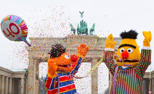 544c59832b (ddp direct) Vor 40 Jahren, am 8. Januar 1973, flimmerte die erste deutsche  Fassung der ?Sesamstrasse? über die Bildschirme ? und die fröhlich-frechen  ...